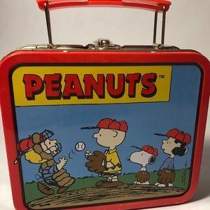 """Peanuts Collectors Mini Lunch Box 6"""""""